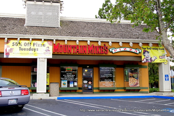 Mountain Mikes Pizza in Milpitas, California